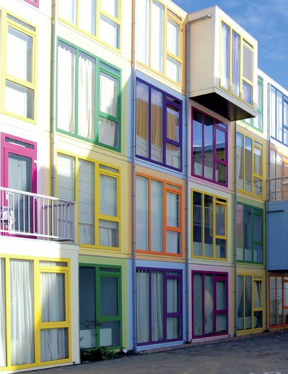 Colourful window frames with acrylcolor